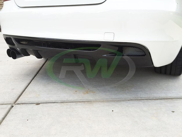 RW-Carbon-Fiber-Diffuser-BMW-E82-135i-Single-Side-1