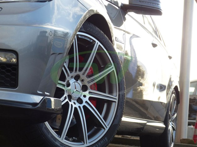 RW-Carbon-Fiber-Renn-Style-Front-Lip-Mercedes-W212-E63-AMG-grey-5