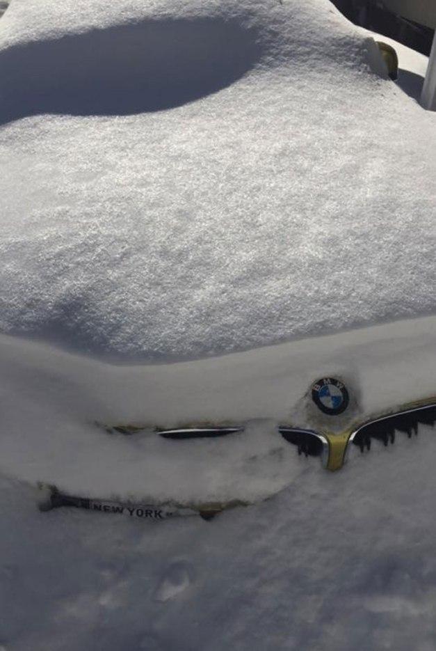 bmw-snow-1
