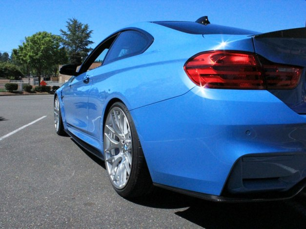 RW-Carbon-Fiber-3D-Style-Diffuser-Yas-Blue-BMW-F82-M4-2
