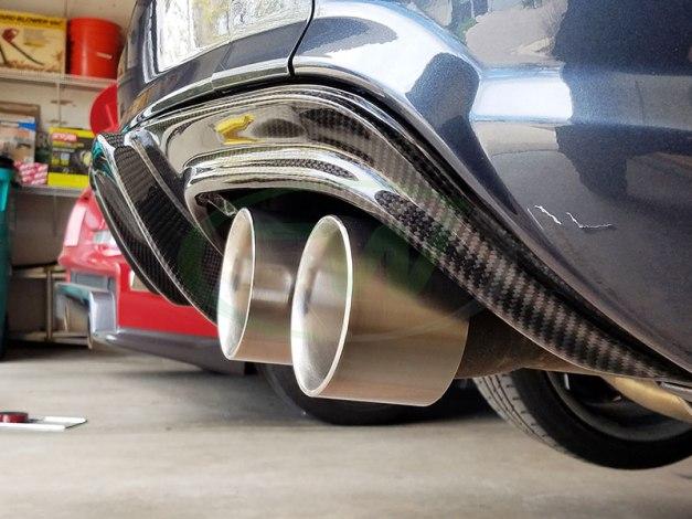 RW-Carbon-Fiber-Arkym-Style-Diffuser-Mercedes-W204-1