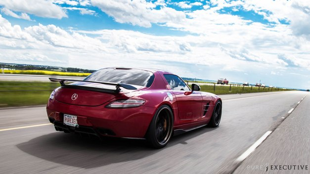 RW-Carbon-Fiber-Diffuser-and-Sides-Mercedes-SLS-AMG-Red-1